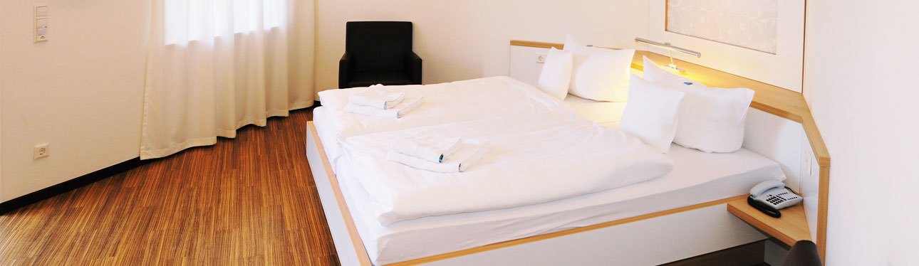 Zimmer – Pension Havelfloß in Brandenburg an der Havel
